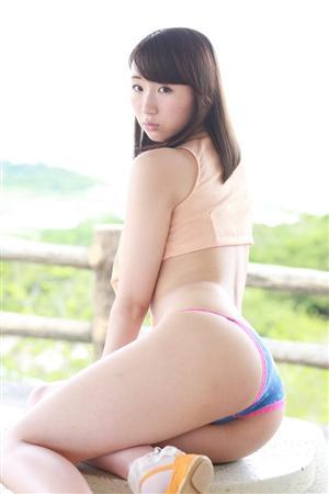 荒井華奈Gカップ巨乳おっぱい画像4a02.jpg