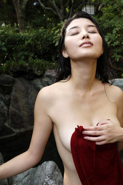橋本マナミGカップ巨乳セミヌード画像b18.jpg