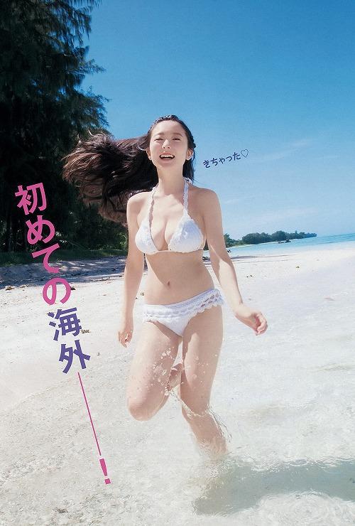 中野佑美巨乳おっぱい画像b04.jpg