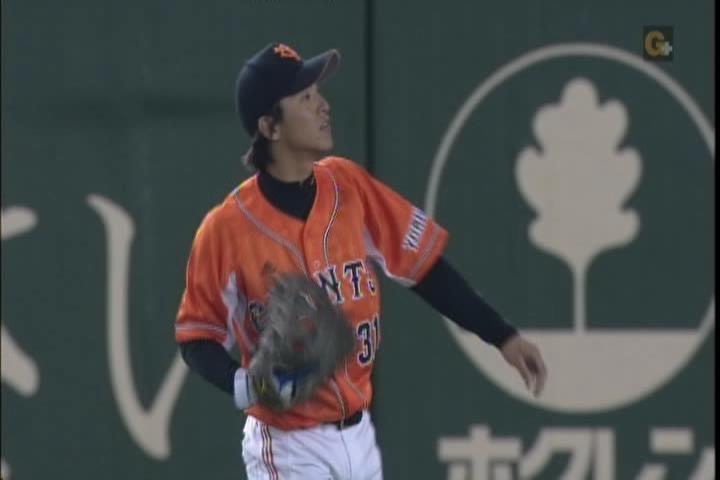 2試合目、松本、守備位置でキャッチボール2