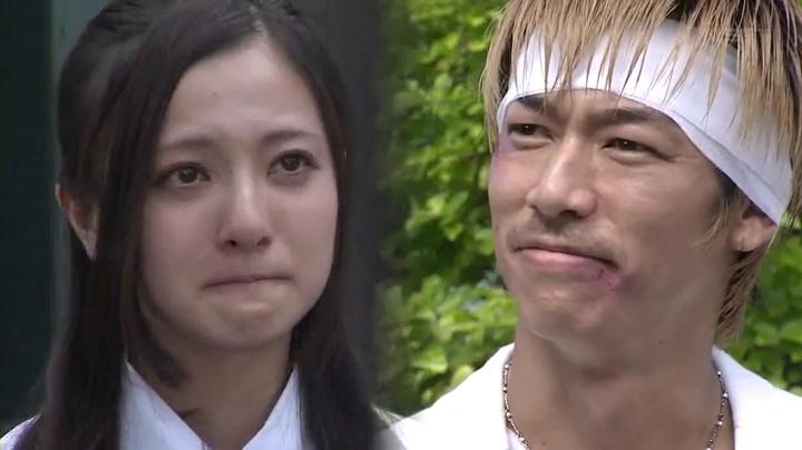 鬼塚と中川エリカ(三橋奈波)