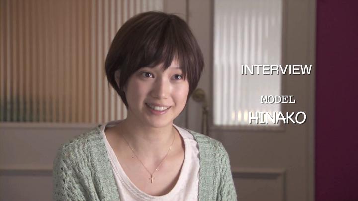 FASHION-STORY-MODEL インタビューに答える神崎麗美(本田翼)