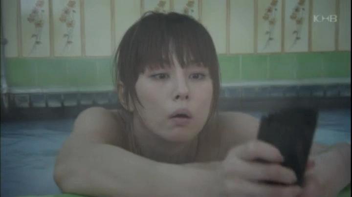【ドクターX】大門未知子(米倉涼子)お宝入浴シーン披露!(早紀の患部を確認する未知子)