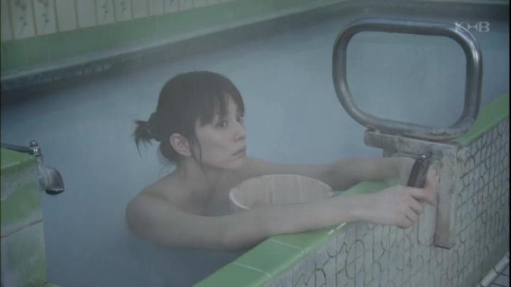 【ドクターX】大門未知子(米倉涼子)お宝入浴シーン披露!(早紀の痛みで原因のヒントを掴んだ未知子)