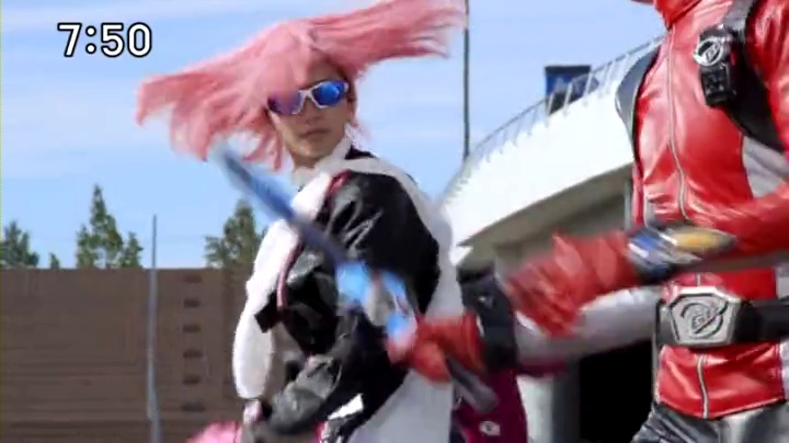 2代目【GTO】上原杏子(新川優愛)【ゴーバスターズ】に登場!レッドバスターと協力して闘う杏子