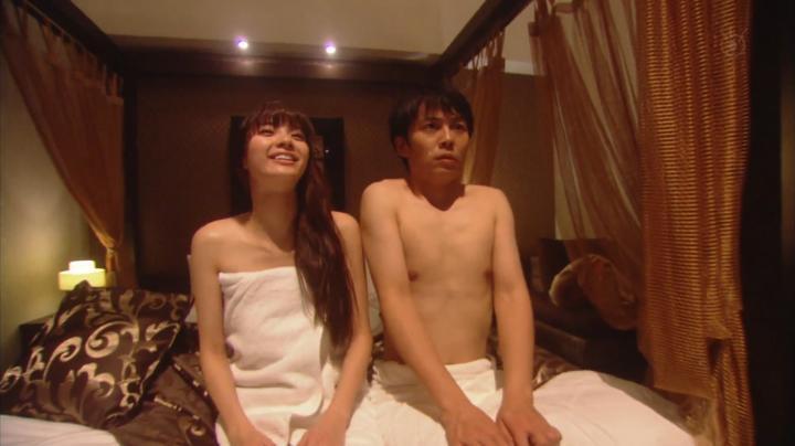 2代目【GTO】上原杏子がキス&ベットシーン!?ベットで森岡氏と喋る杏子