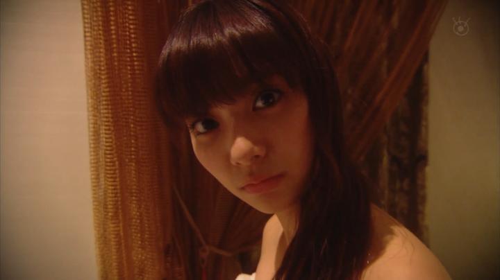 2代目【GTO】上原杏子がキス&ベットシーン!?「緊張してるの」と聞く杏子