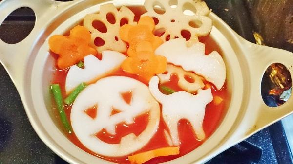 ハロウィンのトマトデコ鍋