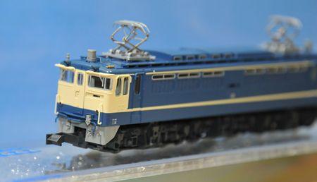 2-2EF65_R.jpg