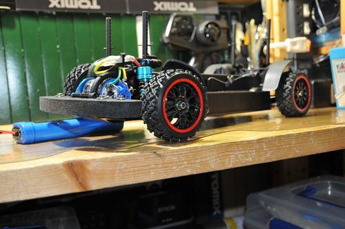 4 XV-01 フロントタイヤ_R