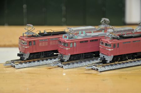 5-15EF81_R.jpg