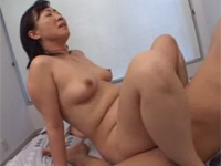段腹熟女 【フケ専・デブ専・熟女】:こちらの段腹お母さんもナイスボデェ~~!