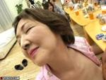 本日の人妻熟女動画 : 【素人】熟女のヤリコン!私を天国に連れていって~♪
