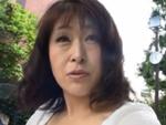 えろえろ動画ちゃんねる : チンポをデッサンしながら咥え込む五十路熟女