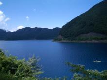 バイク乗り 本栖湖 絶景