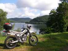 バイク乗りのブログ-岩洞湖とスーパーシェルパ