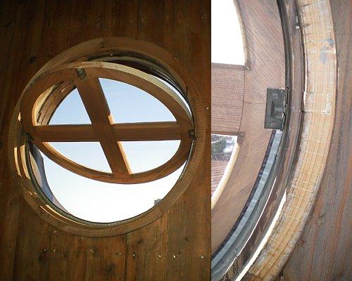 市川教会・窓