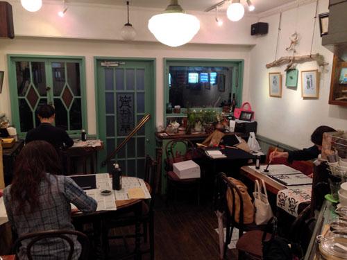 カフェ書道教室の風景2