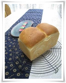 天然酵母の食パン