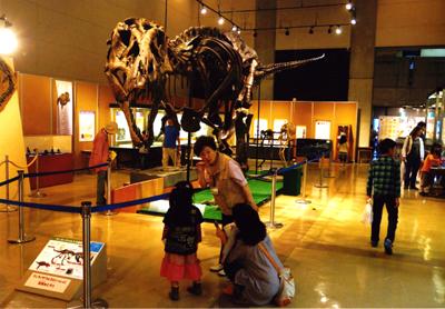 博物館まつり2012特別展示室内(シャトル村松さん撮影)small