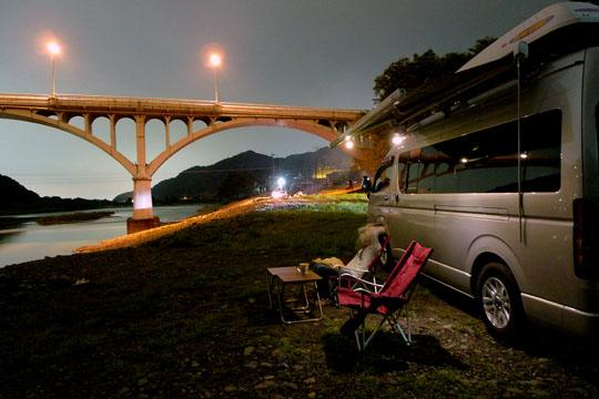 001橋の夜景