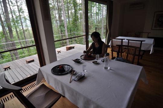 618六花山荘食事中
