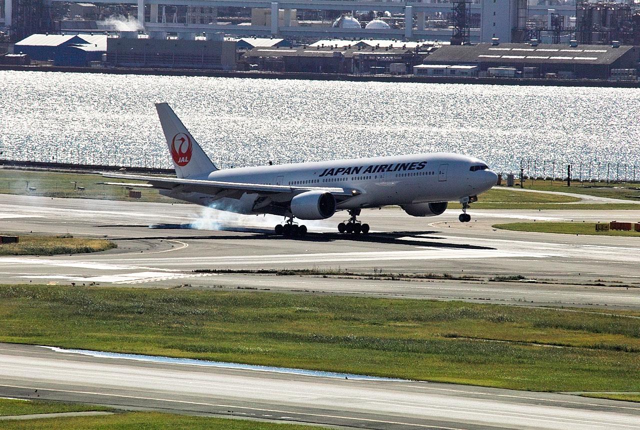 7629 母搭乗機の着陸 1280×860