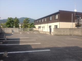 朝倉病院駐車場からの外観