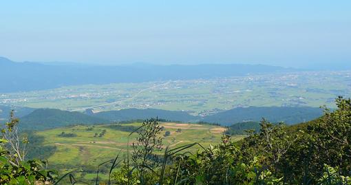 山の反対側