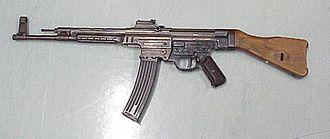 GP_Gun_01_330px-Sturmgewehr_44.jpg