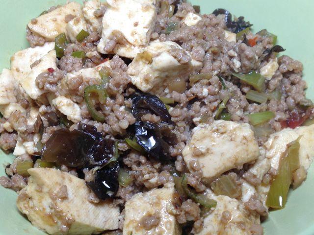 ひき肉と豆腐煮込
