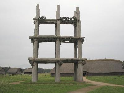 六本柱建物(三代丸山遺跡/復元)