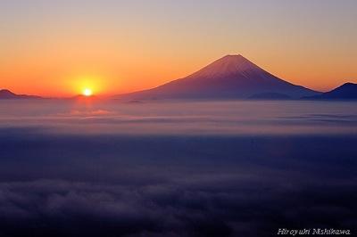 夜明け富士山