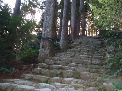 PC240141_convert_20121228202325[1]那智の滝への山道