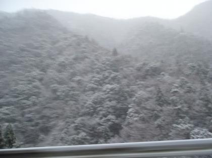 PC240218_convert_20121230013932[1]雪山