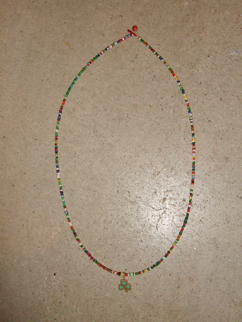 rehacer Vintage beads necklace Clover1
