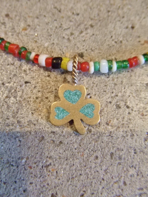 rehacer Vintage beads necklace Clover2