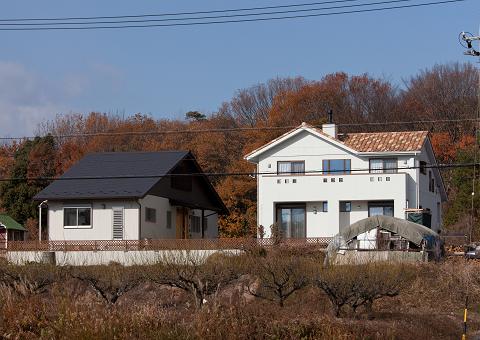 0571春日井市「丘に並ぶ親子の家」
