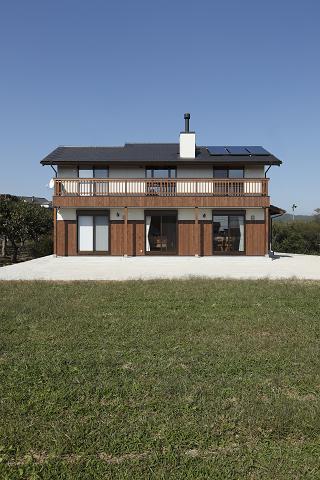 0565豊田市「猿投山の麓に建つ家」外観