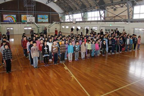 20121227沼田小学校で2学期の終業式