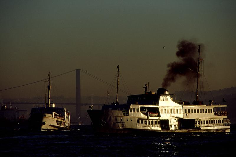 10エミノニュ桟橋より1999