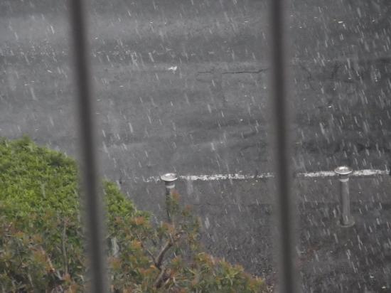 豪雨3縮小