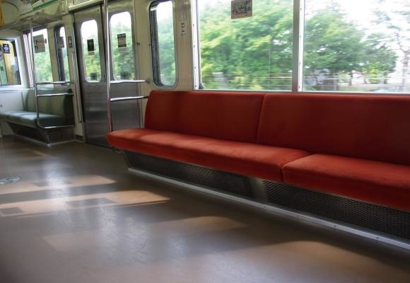 イメージ電車内3縮小