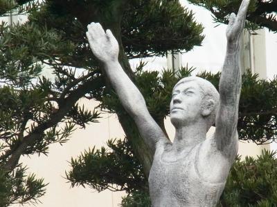 正月銅像2縮小
