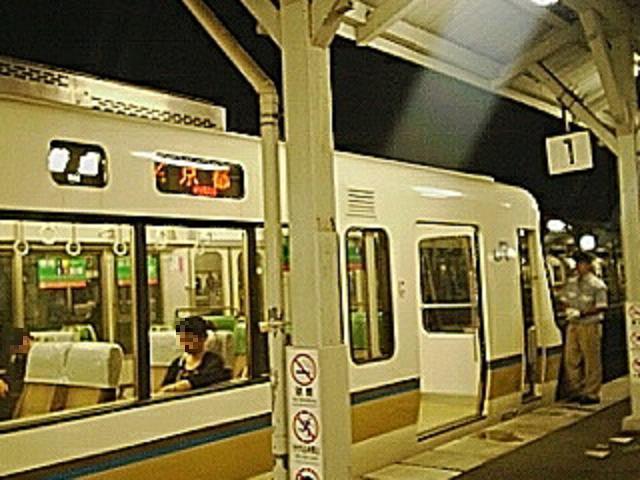 桃山駅の終電 (2) a