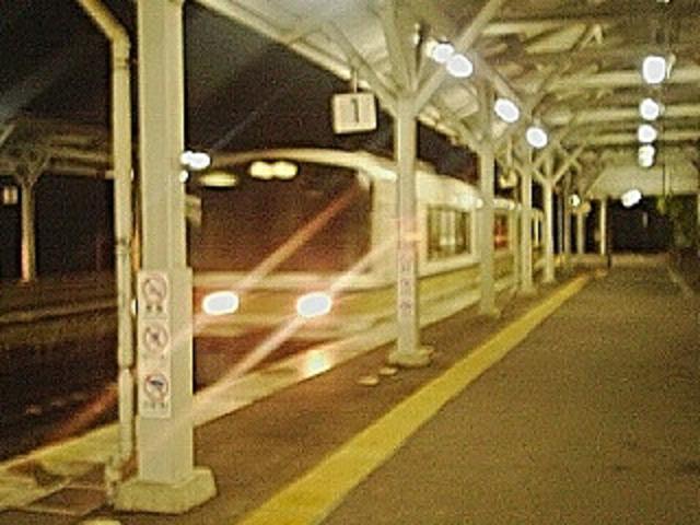 桃山駅の終電 (1) a