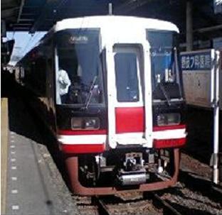 特急「りんかん」で使用されている11000系電車