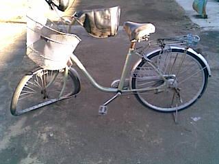 事故で壊れた自転車