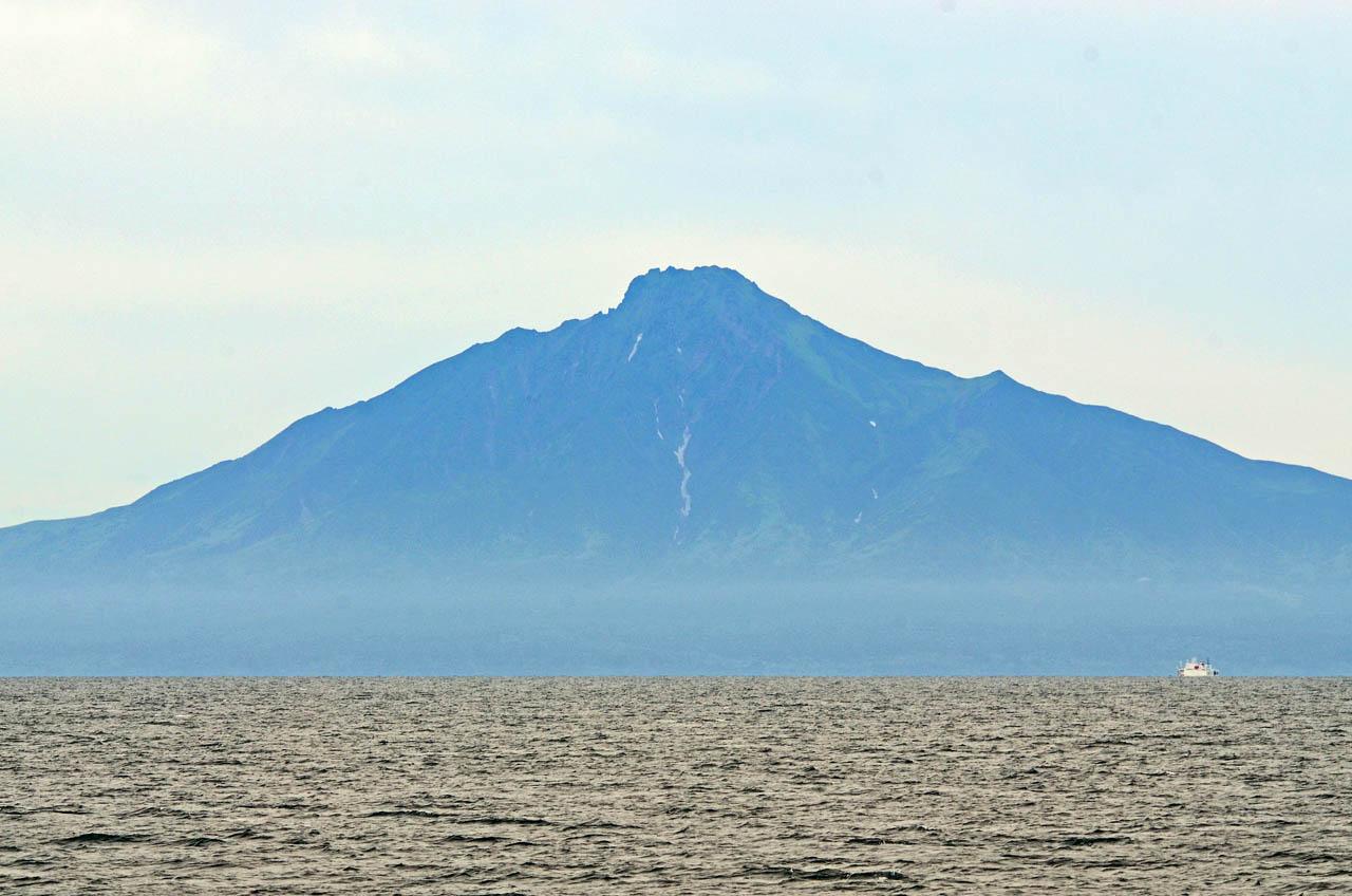 利尻島へ向かう海上から