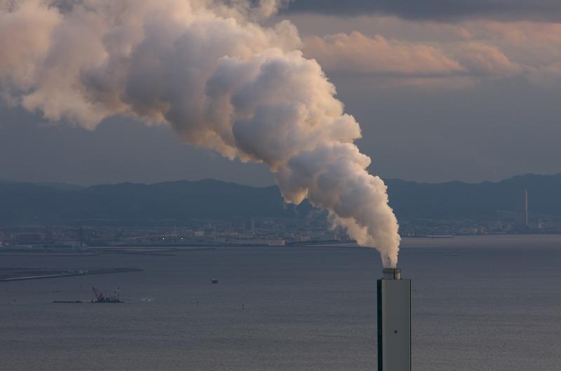 大阪府咲洲庁舎展望台 関西電力南港発電所の煙突